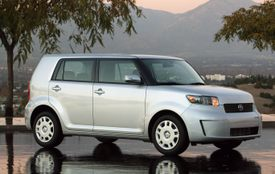 Scion_xb_side_view